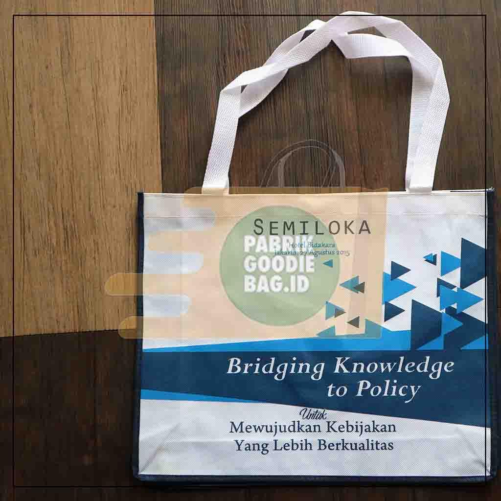 pabrik goodie bag menyediakan berbagai model tas